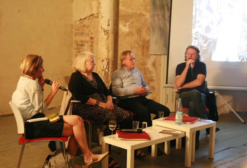 Die Zeitzeugen des Erzählsalons des 07. September im Gespräch © B. Friemel
