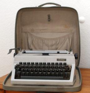 Erika Reiseschreibmaschine